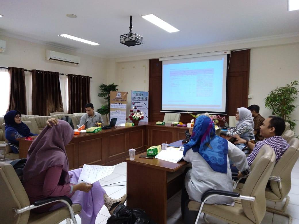 Menerima kunjungan kerja Tim LPM Pusat ke Jurusan Ilmu Komunikasi dalam rangka persiapan visitasi,
