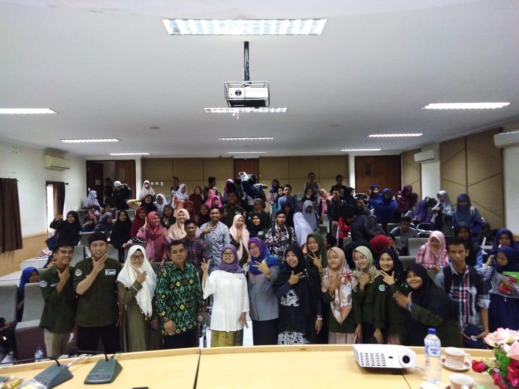 Kuliah umum Anggota DPR RI Andi Mariattang di Jurusan Ilmu Komunikasi